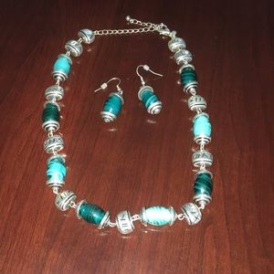 Premier Designs blue/silver necklace & earring set